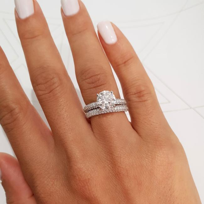 Item - White Gold 4 Carat Set Matching Band - 18k Engagement Ring