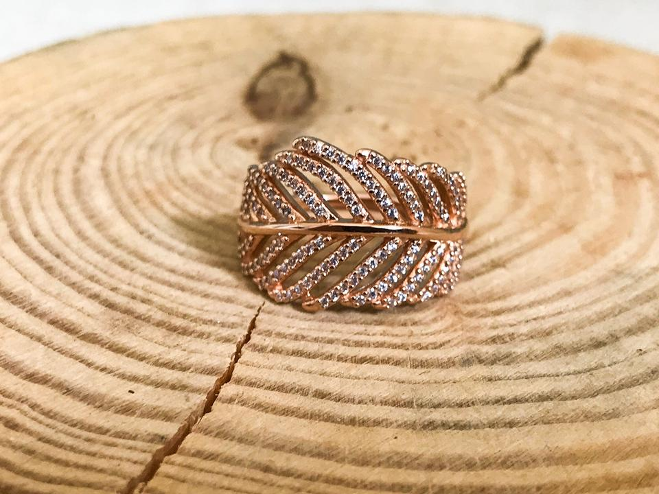 e730dca9dbbaa PANDORA Rose Gold Light As A Feather Clear Cz Size 5.5 Ring 26% off retail