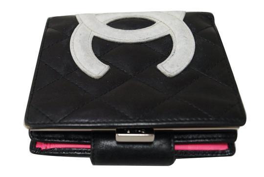 Preload https://img-static.tradesy.com/item/23321905/chanel-cambon-black-quilted-ligne-bifold-compact-wallet-0-0-540-540.jpg