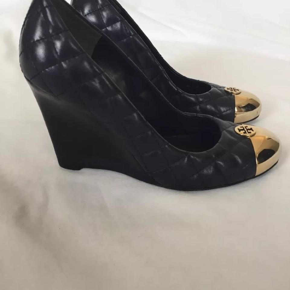 7ae4f3909f33 Tory Burch Navy Kaitlin Wedge Quilted Gold Metal Cap Toe Pumps Size ...