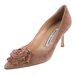 Manolo Blahnik brown tan Bridge Pumps