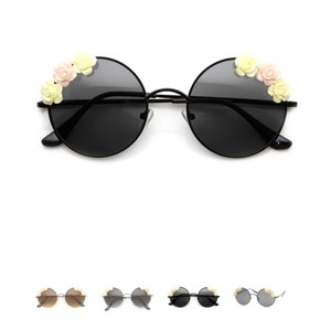 a5b53f2ebde Black Other Sunglasses - Up to 70% off at Tradesy
