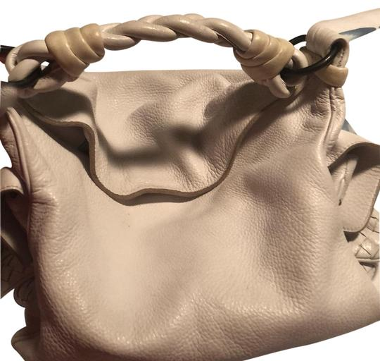 Preload https://item4.tradesy.com/images/bottega-veneta-genuine-white-leather-shoulder-bag-23329888-0-1.jpg?width=440&height=440