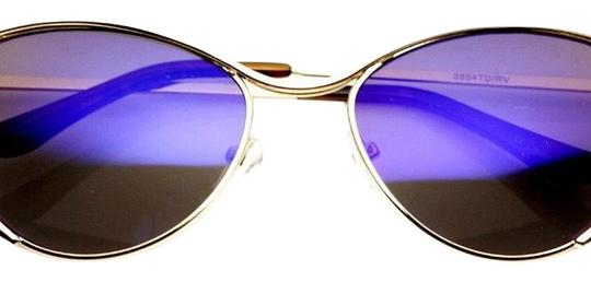 Preload https://img-static.tradesy.com/item/23329938/silver-sunglasses-0-1-540-540.jpg