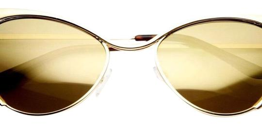 Preload https://img-static.tradesy.com/item/23329983/gold-frame-sunglasses-0-1-540-540.jpg