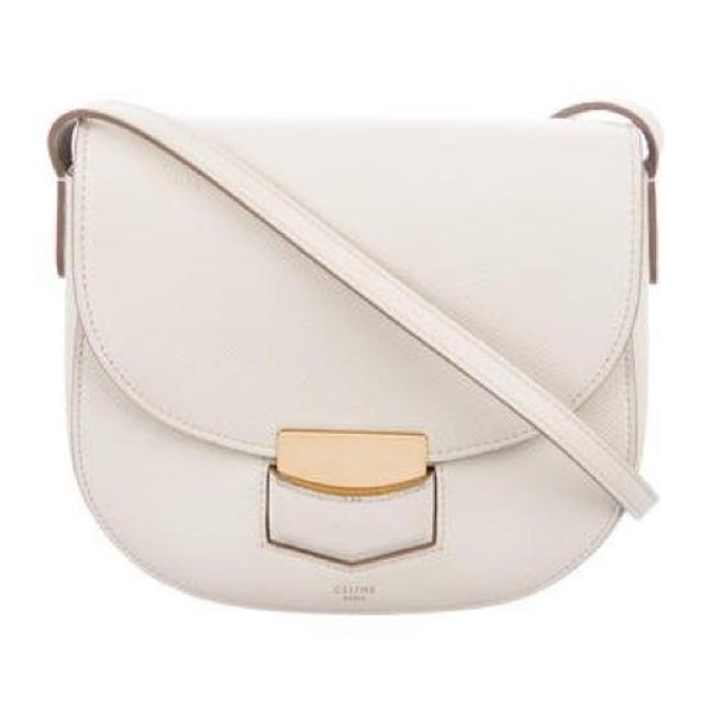 Item - Trotteur Grained Calfskin Small Cream Leather Cross Body Bag