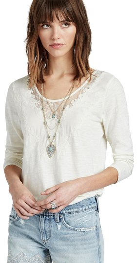 Preload https://item4.tradesy.com/images/lucky-brand-etched-turquoise-layer-necklace-23330098-0-1.jpg?width=440&height=440