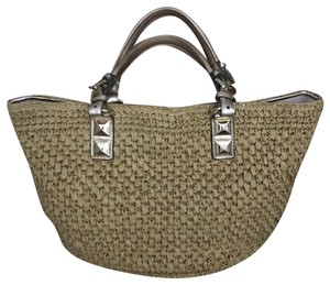 Michael Kors Straw & Gold Leather Like New Tote in Beige