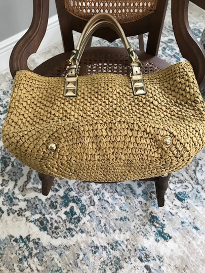 Michael Kors Straw & Gold Leather Like New Tote in Natural