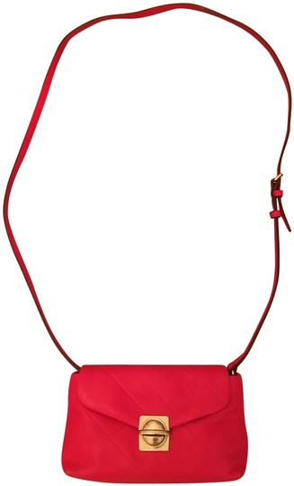 Preload https://img-static.tradesy.com/item/23330277/marc-by-marc-jacobs-square-scored-small-messenger-shoulder-red-cowhide-leather-cross-body-bag-0-2-540-540.jpg