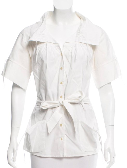 Preload https://img-static.tradesy.com/item/23330311/anne-fontaine-white-short-sleeve-button-up-blouse-size-8-m-0-1-650-650.jpg
