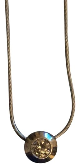 Preload https://img-static.tradesy.com/item/23330846/white-gold-classic-chain-with-pendent-necklace-0-1-540-540.jpg