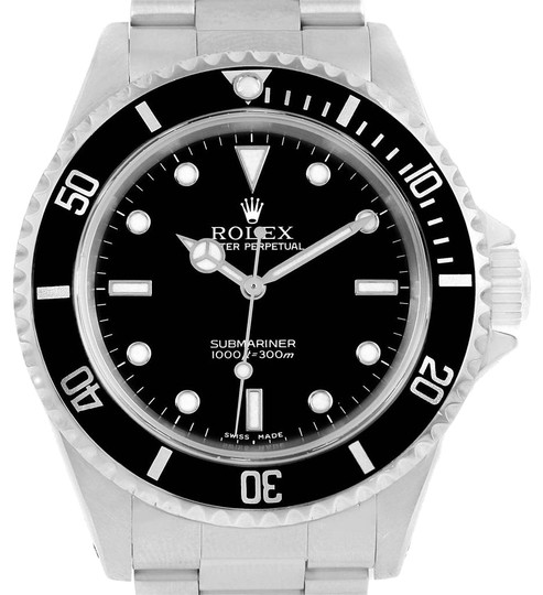 Preload https://item5.tradesy.com/images/rolex-black-submariner-40mm-no-date-dial-mens-14060-watch-23330864-0-1.jpg?width=440&height=440