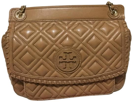 Preload https://item1.tradesy.com/images/tory-burch-marion-quilted-small-saddle-black-shoulder-tan-and-gold-leather-cross-body-bag-23330965-0-1.jpg?width=440&height=440