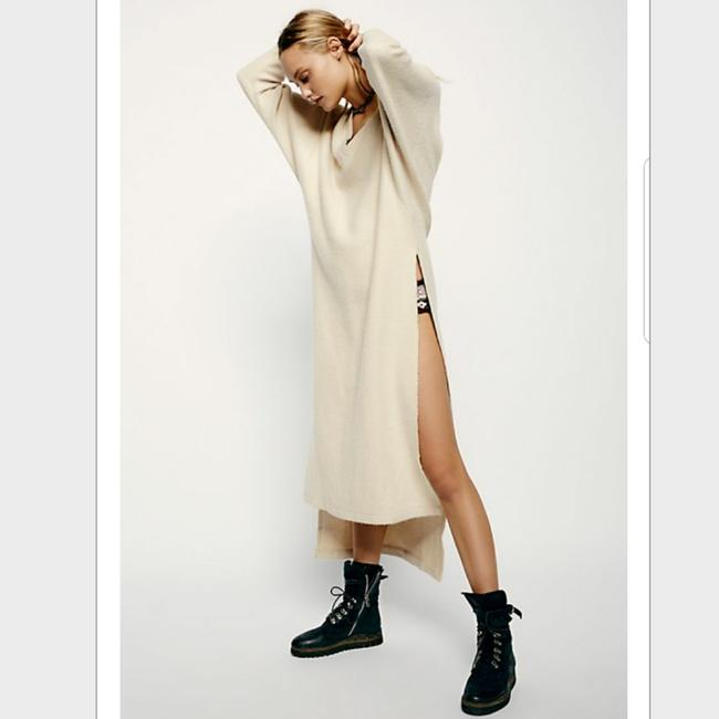Preload https://item3.tradesy.com/images/free-people-cream-fp-beach-oversized-relaxin-long-casual-maxi-dress-size-2-xs-23331027-0-2.jpg?width=400&height=650
