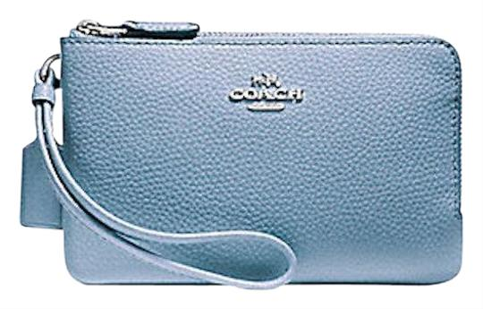 Preload https://item3.tradesy.com/images/coach-corner-in-crossgrain-pool-blue-leather-wristlet-23331162-0-1.jpg?width=440&height=440