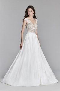 Jim Hjelm Ivory Silky Taffeta and Sheer Lace Style 8704 Formal Wedding Dress Size 8 (M)
