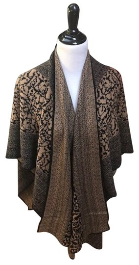 Preload https://img-static.tradesy.com/item/23331283/black-light-brown-design-sweater-extremely-warm-and-never-worn-scarfwrap-0-1-540-540.jpg