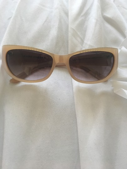 Preload https://item5.tradesy.com/images/marc-by-marc-jacobs-nude-sunglasses-23331389-0-0.jpg?width=440&height=440