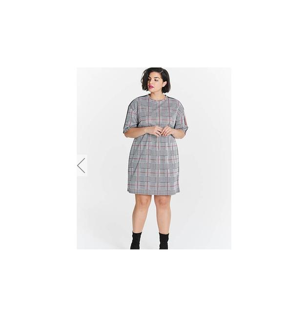 Preload https://img-static.tradesy.com/item/23331437/gray-check-shift-uk-20-short-casual-dress-size-16-xl-plus-0x-0-0-650-650.jpg