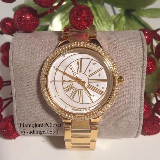 Preload https://item2.tradesy.com/images/michael-kors-taryn-mother-of-pearl-gold-watch-23331656-0-0.jpg?width=440&height=440