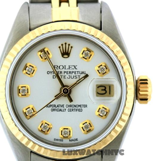 Preload https://item5.tradesy.com/images/rolex-26mm-ladies-datejust-with-box-and-appraisal-watch-23331689-0-0.jpg?width=440&height=440