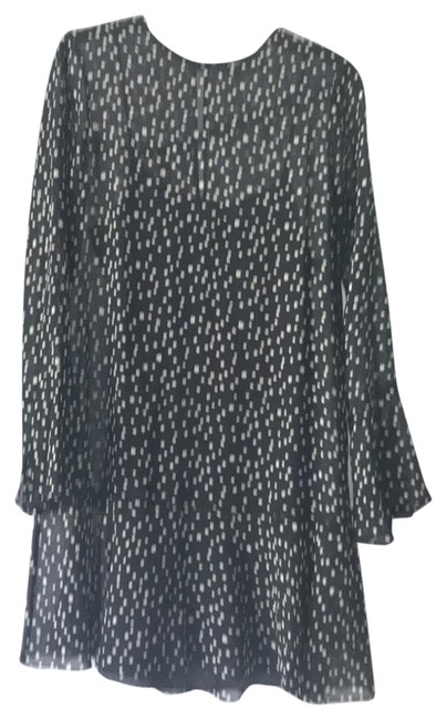 Preload https://item1.tradesy.com/images/theory-black-flowy-with-slip-flutter-hem-and-sleeve-short-casual-dress-size-6-s-23331720-0-1.jpg?width=400&height=650