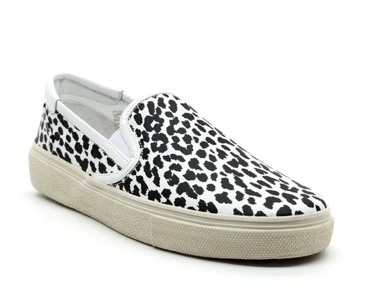 Preload https://item2.tradesy.com/images/saint-laurent-white-bobycat-animal-print-sneakers-size-eu-395-approx-us-95-regular-m-b-23331896-0-0.jpg?width=440&height=440