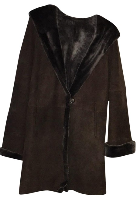 Preload https://item5.tradesy.com/images/brown-mid-length-shearling-hooded-fur-coat-size-4-s-23331939-0-1.jpg?width=400&height=650