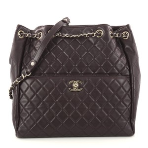 Chanel Drawstring Leather Shoulder Bag