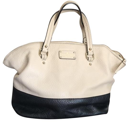 Preload https://item5.tradesy.com/images/kate-spade-handbag-black-and-cream-leather-satchel-23332079-0-1.jpg?width=440&height=440