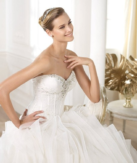Preload https://item1.tradesy.com/images/pronovias-off-white-lacetulle-lexas-sexy-wedding-dress-size-10-m-23332150-0-4.jpg?width=440&height=440