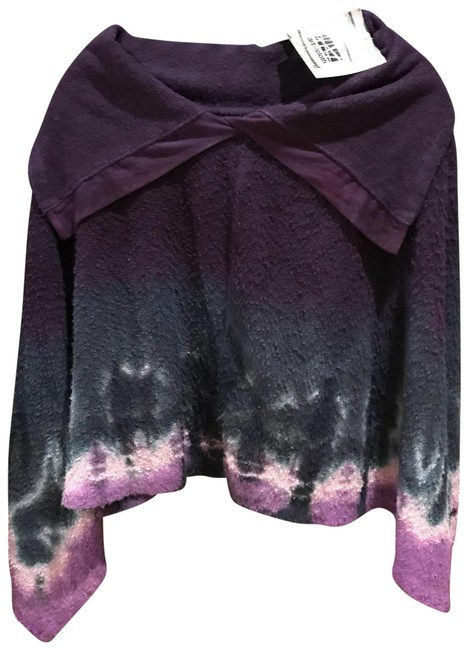 Preload https://item2.tradesy.com/images/poncho-sm-sweaterpullover-size-4-s-23332286-0-1.jpg?width=400&height=650