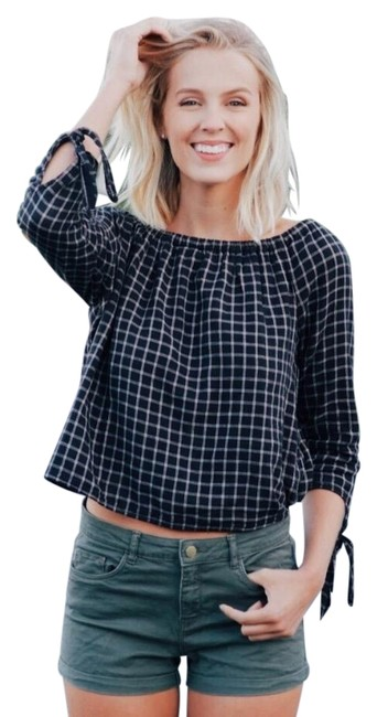 Preload https://img-static.tradesy.com/item/23332288/madewell-new-black-and-white-check-plaid-off-the-shoulder-blouse-size-8-m-0-4-650-650.jpg