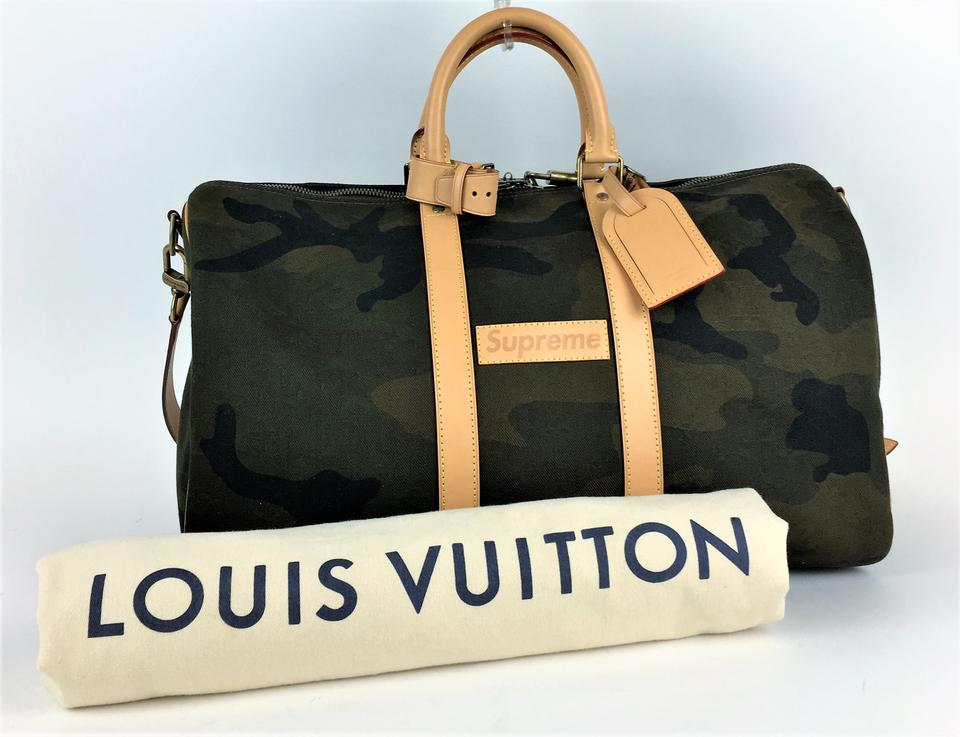 47651ea1c33e Louis Vuitton x Supreme Bandouliere Keepall Green Travel Bag.  123456789101112