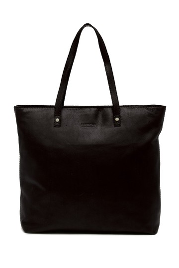 Preload https://item5.tradesy.com/images/black-leather-tote-23332799-0-0.jpg?width=440&height=440