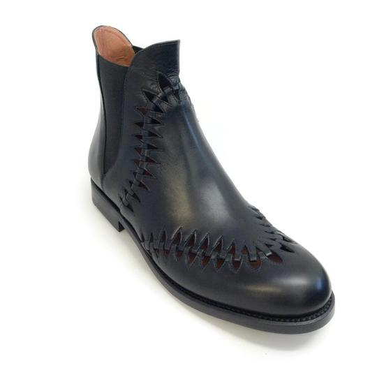 Preload https://item2.tradesy.com/images/alaia-black-perforated-derby-bootsbooties-size-eu-385-approx-us-85-regular-m-b-23333016-0-1.jpg?width=440&height=440
