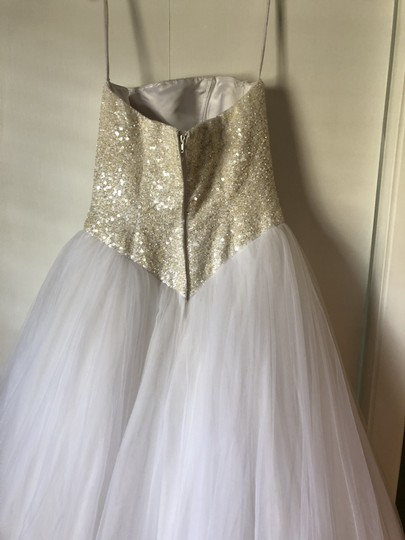 Oleg Cassini White with Light Reflecting Beads On The Bodes Tull Cu099 Feminine Wedding Dress Size 4 (S)
