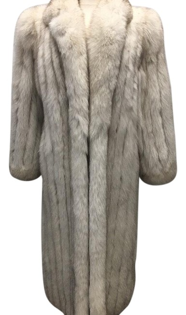 Preload https://item1.tradesy.com/images/white-ladies-natural-coat-size-8-m-23333170-0-3.jpg?width=400&height=650