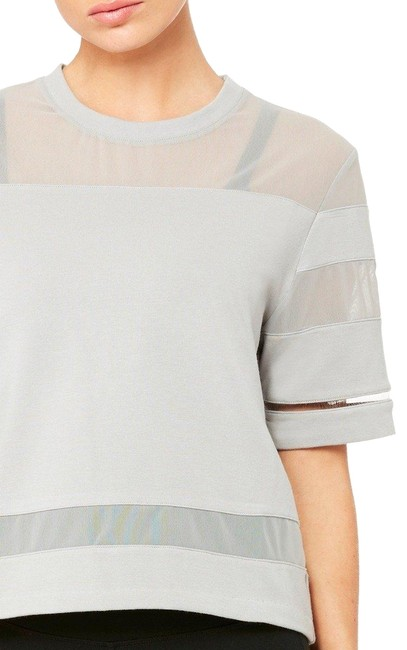 Preload https://item3.tradesy.com/images/alo-alloy-grey-mellow-sleeve-activewear-top-size-8-m-23333207-0-1.jpg?width=400&height=650