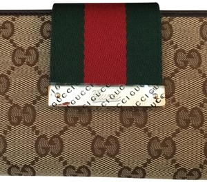 2ec02341853 Women's Wallets - Up to 70% off at Tradesy