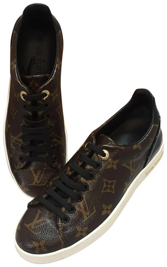 Preload https://item2.tradesy.com/images/louis-vuitton-frontrow-sneakers-monogram-or-in-box-flats-size-eu-36-approx-us-6-regular-m-b-23333261-0-2.jpg?width=440&height=440