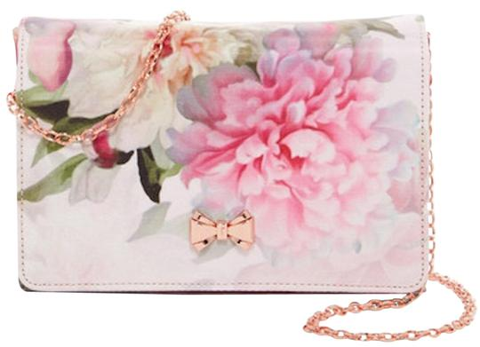 Preload https://img-static.tradesy.com/item/23333357/ted-baker-clutch-evening-pink-floral-hot-pink-green-rose-gold-tone-polyester-cross-body-bag-0-1-540-540.jpg