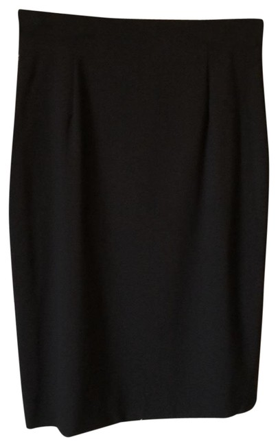 Preload https://item5.tradesy.com/images/classiques-entier-black-straight-never-worn-midi-skirt-size-6-s-28-23333359-0-1.jpg?width=400&height=650