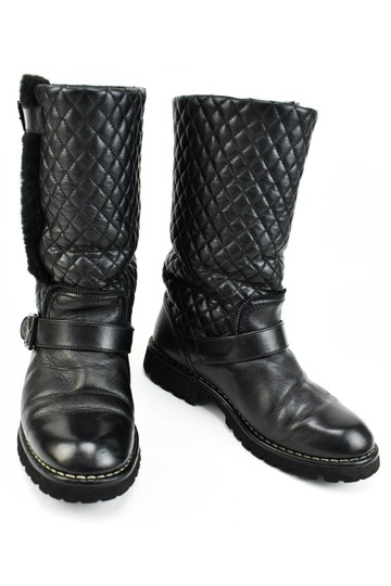 Preload https://img-static.tradesy.com/item/23333408/chanel-black-quilted-leather-and-cc-logo-mid-calf-moto-bootsbooties-size-us-65-regular-m-b-0-0-540-540.jpg