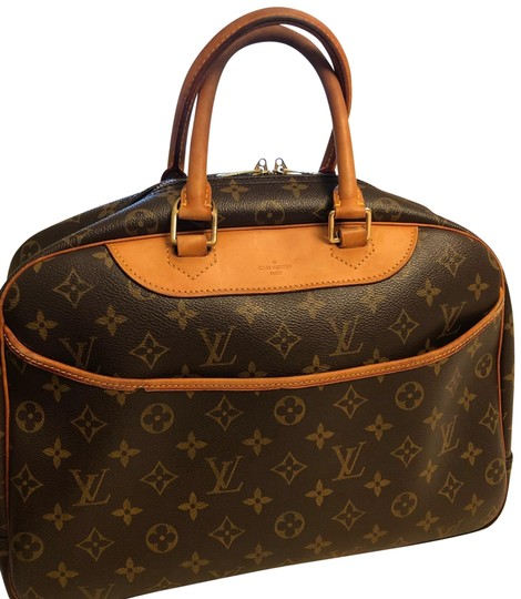 Preload https://img-static.tradesy.com/item/23333478/louis-vuitton-deauville-monogram-canvas-satchel-0-1-540-540.jpg