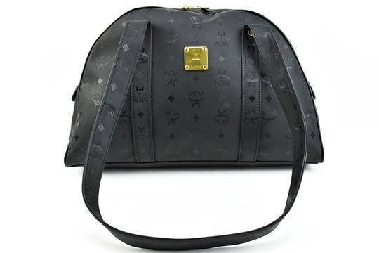 Preload https://img-static.tradesy.com/item/23333495/mcm-shoulder-munchen-black-mcm-logo-medium-m-weekendtravel-bag-0-0-540-540.jpg