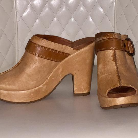 Lucky Brand Camel Mules