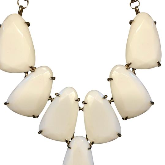 Preload https://img-static.tradesy.com/item/23333543/kendra-scott-white-and-gold-harlow-statement-necklace-0-1-540-540.jpg