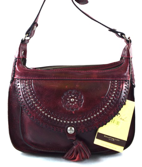 Preload https://img-static.tradesy.com/item/23333693/patricia-nash-designs-distressed-vintage-camila-red-leather-messenger-bag-0-0-540-540.jpg